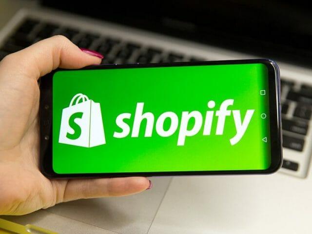 Dropshipping-On-Shopify-640x480.jpg?strip=all&lossy=1&ssl=1