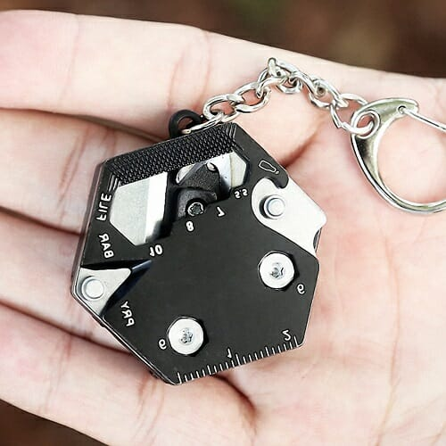 14 IN 1 MULTIFUNCTIONAL EDC KEYCHAIN
