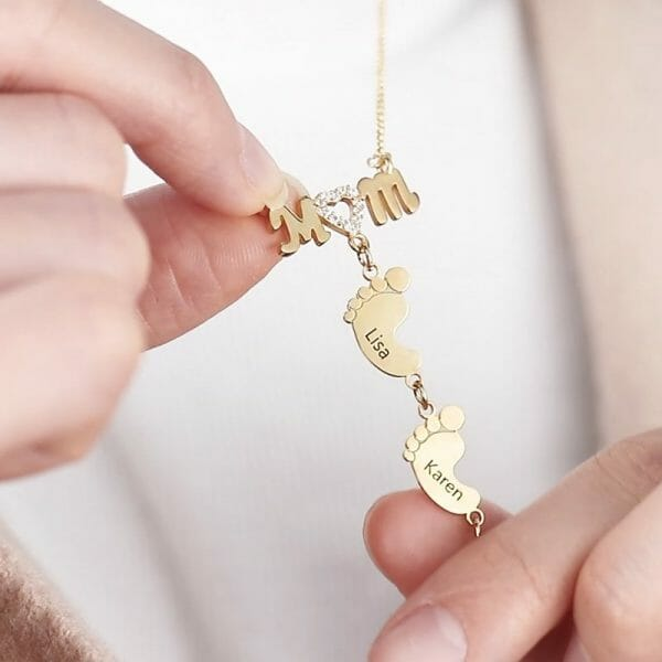 Prsonalised Heart Crystal Mom Necklace With Baby Feet
